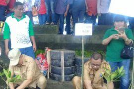 Pemkot Ambon gelar aksi bersih pantai