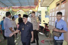 Dua cagub Maluku Utara coblos di Ternate