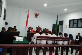 Dua terdakwa tindak pidana Pemilu minta dibebaskan