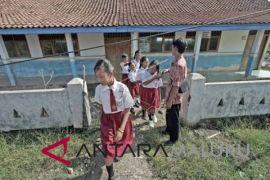 Diknas Ternate terapkan zona guru