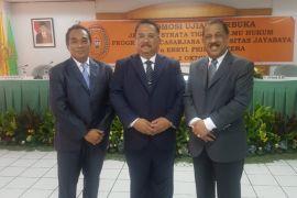 Wakajati Maluku raih gelar doktor ilmu hukum