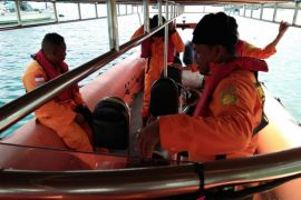 Seorang nelayan Namlea dilaporkan hilang di laut