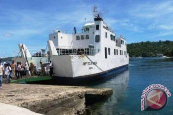Pemkab diminta penuhi janji operasikan kapal feri
