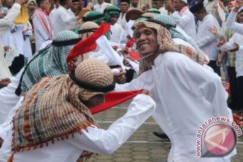 Memasukkan kembali FLG sebagai kegiatan pariwisata nasional oleh La Ode Aminuddin