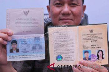 Imigrasi Ambon pulangkan warga Myanmar