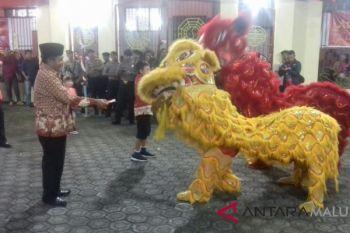 Barongsai ramaikan perayaan imlek di Ternate