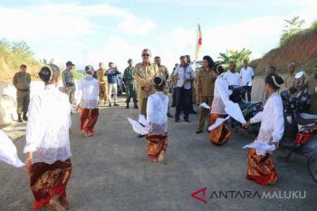 Pemkot Ambon buka akses jalan penghubung Waimahu