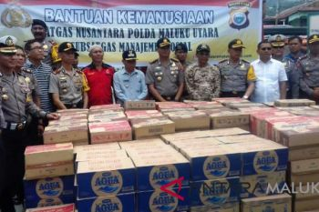 Polda salurkan bantuan korban kebakaran di Ternate