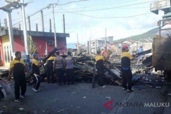Tim labfor olah TKP kebakaran di Ternate