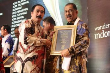 Pemkot Ambon terima penghargaan YOWITA 2018