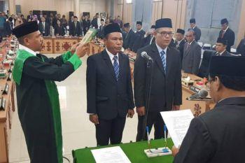 DPRD Ambon lantik dua anggota PAW