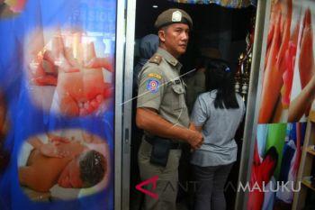 Satpol PP Ternate tarik dokumen panti pijat