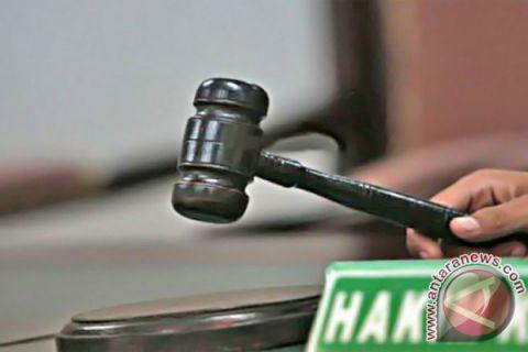 Hukuman mantan bendahara Dinkes Bursel diperberat