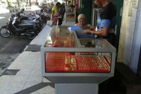 Transaksi emas pinggir jalan di Ambon sepi