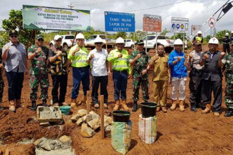 Perusahaan tambang di Obi diminta bangun bandara