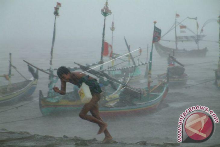 Stasiun meteorologi Pattimura peringatkan cuaca buruk