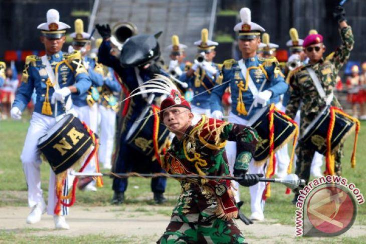 Kirab AAL di Kota Ambon