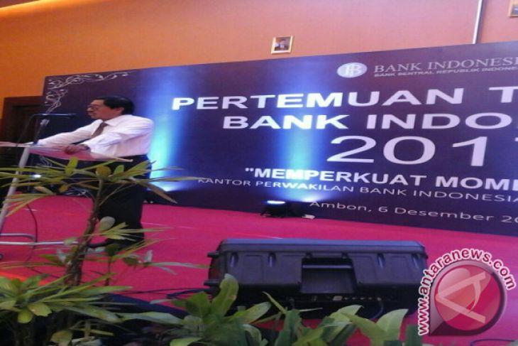 Peragaan Tenun Tanimbar Warnai PTBI Maluku 2017
