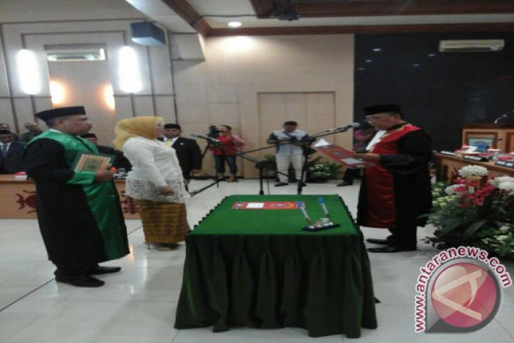 Elly Toisuta Wakil Ketua DPRD Ambon