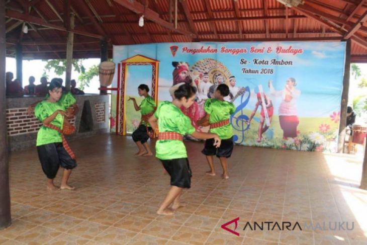 Pemkot Ambon dorong peningkatan seni dan budaya