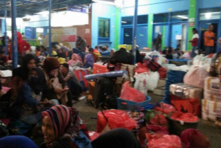 Pelni Ambon prediksi lonjakan penumpang pekan depan