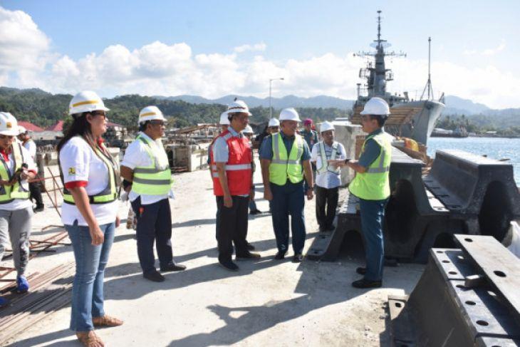 Asrena Kasal tinjau pembangunan dermaga TNI-AL