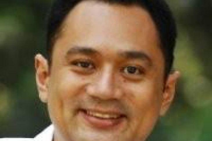 Eddy Sambuaga gelar kompetisi nyanyi di Ambon