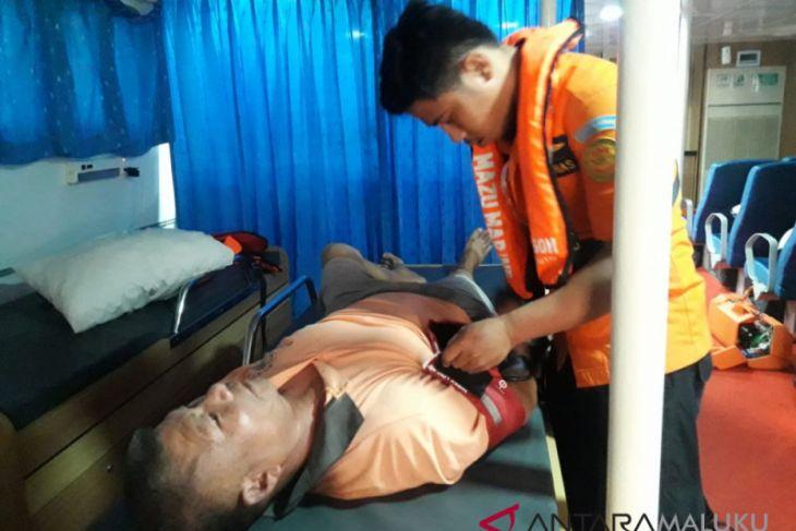 Petugas SAR evakuasi ABK berkebangsaan Tiongkok