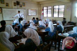 Sudah Lima Bulan Gaji Belum Diterima, Guru Honorer Mengadu ke Anggota DPRD
