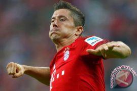 Bayern Muenchen Libas Werder Bremen Berkat Dua Gol Lewandowski
