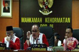 Lemkapi: Kasus Victor Pertaruhan Kredibilitas MKD