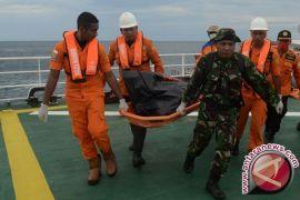 Basarnas Kendari Evakuasi Kapal Mati Mesin