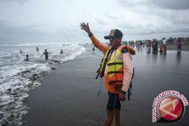 BMKG: pasang laut Membalong lebih dua meter