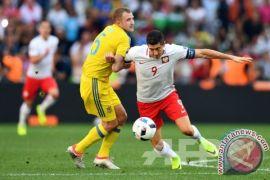 Robert Lewandowski siap taklukkan K2 di pertandingan pembuka Polandia