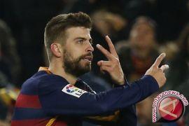 Bek Barcelona Gerard Pique perpanjang kontrak hingga 2022