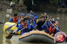 Dinkesos Babel Bantu 1.000 Korban Banjir Belitung