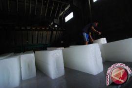 DPRD Bangka Tengah pertanyakan pembangunan pabrik es