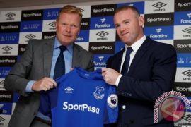 Rooney Digelandang Polisi Karena Mabuk