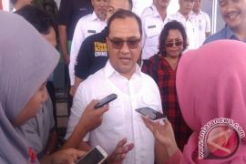 Gubernur Erzaldi Rosman Jamin Persediaan Makanan Korban Banjir Cukup