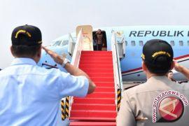 Indonesia-1 pesawat pertama mendarat di BIJB