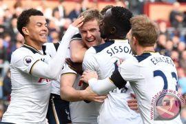 Kiper Tottenham Hotspur Lloris Frustrasi