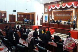 DPRD Belitung sahkan empat raperda