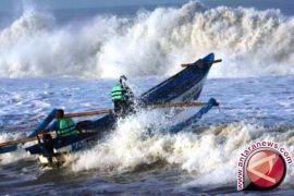 BMKG: gelombang Selat Karimata mencapai 3,0 meter