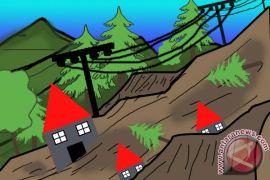 Tanah longsor terjang sejumlah lokasi di Jember