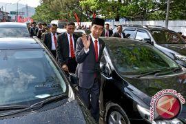 Soal Jalan Kaki Jokowi