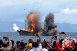 Menteri Susi enggan komentar soal penghentian penenggelaman kapal