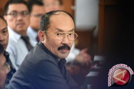 Fredrich Yunadi Ikut Mundur Jadi Pembela Setnov
