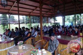 Bawaslu Bangka Barat Tingkatkan Partisipasi Pemilih Pemula