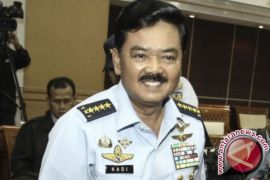 Panglima TNI Hadi Tjahjanto serahkan SPT pajak