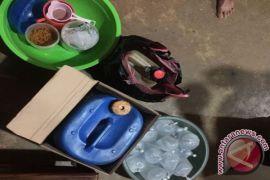Wanita penjual arak diamankan di Muntok